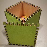 Cinkovaná zelená překližková krabička na hranách s ozuby